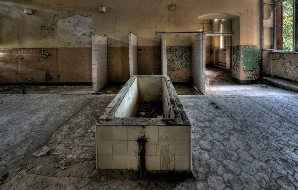 Hospital-militar-em-Beelitz-Alemanha-os-10-lugares-abandonados-mais-assustadores-do-mundo