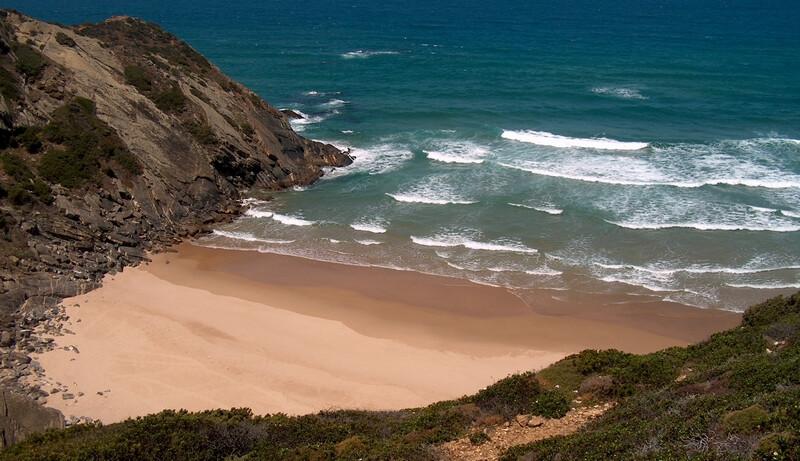 praia-das-adegas-melhores-praias-de-nudismo-do-algarve