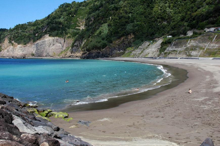 praia-da-ribeira-quente-as-melhores-praias-dos-açores