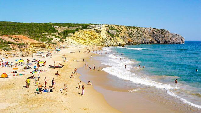 praia-do-zavial-melhores-praias-de-nudismo-do-algarve