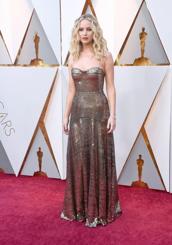 melhores-looks-dos-Óscares-Jennifer-Lawrence