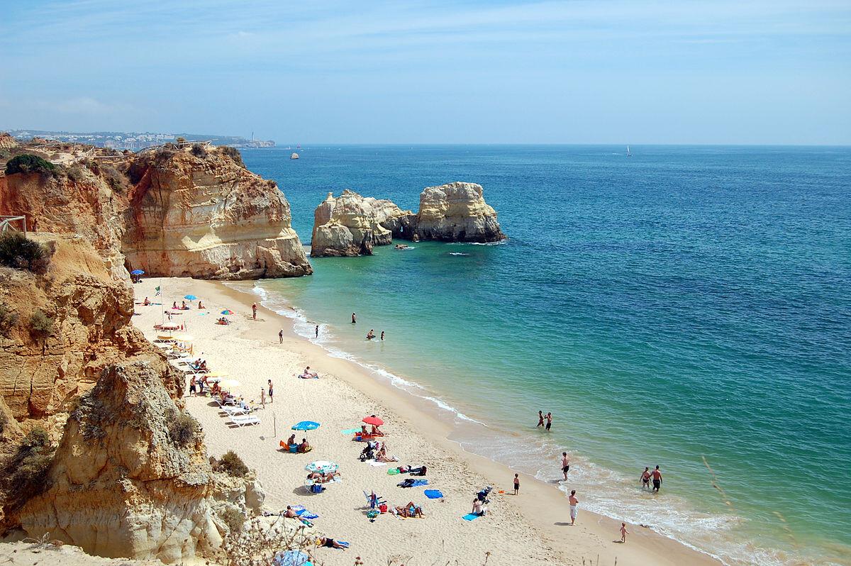 praia-da-rocha-da-arrábida-as-melhores-praias-de-Portugal