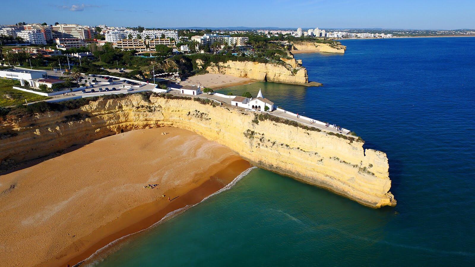 praia-da-senhora-da-rocha-melhores-praias-secretas-do-algarve