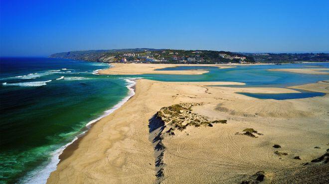 Praia-da-Foz-do-Arelho-Lagoa-de-Óbidos-as-melhores-praias-do-norte-de-Portugal