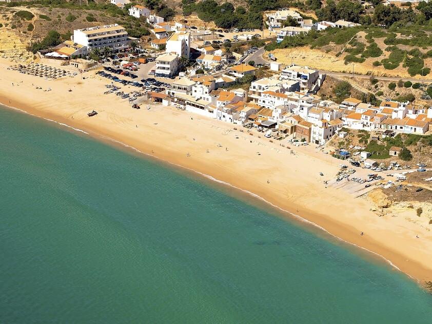 praia-da-salema-melhores-praias-secretas-do-algarve