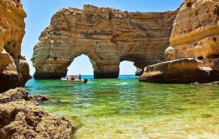 praia-da-marinha-as-melhores-praias-do-sul-de-portugal