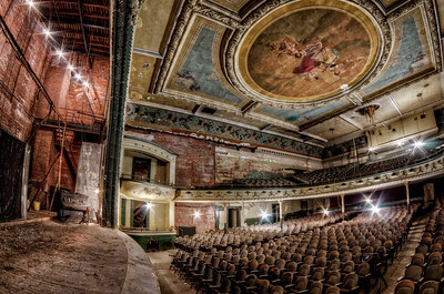 The-Orpheum-Theatre-New-Bedford-Massachusetts-os-10-lugares-abandonados-mais-assustadores-do-mundo