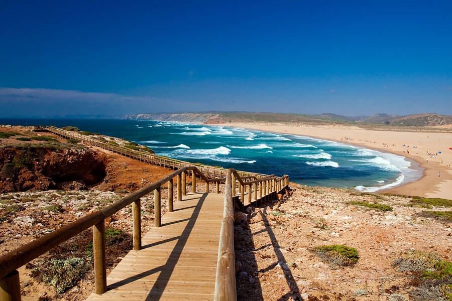 praia-da-bordeira-melhores-praias-de-nudismo-do-algarve
