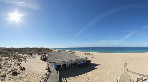 praia-do-carvalhal-da-arrábida-as-melhores-praias-de-Portugal