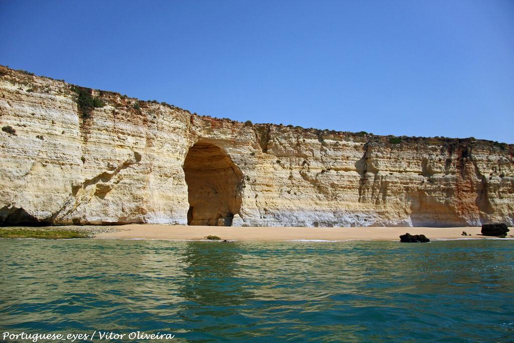 praia-da-afurada-melhores-praias-de-nudismo-do-algarve