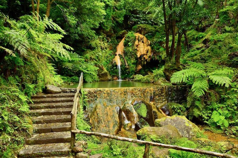 caldeira-velha-guia-de-viagem-pontos-de-interesse-turístico-Açores