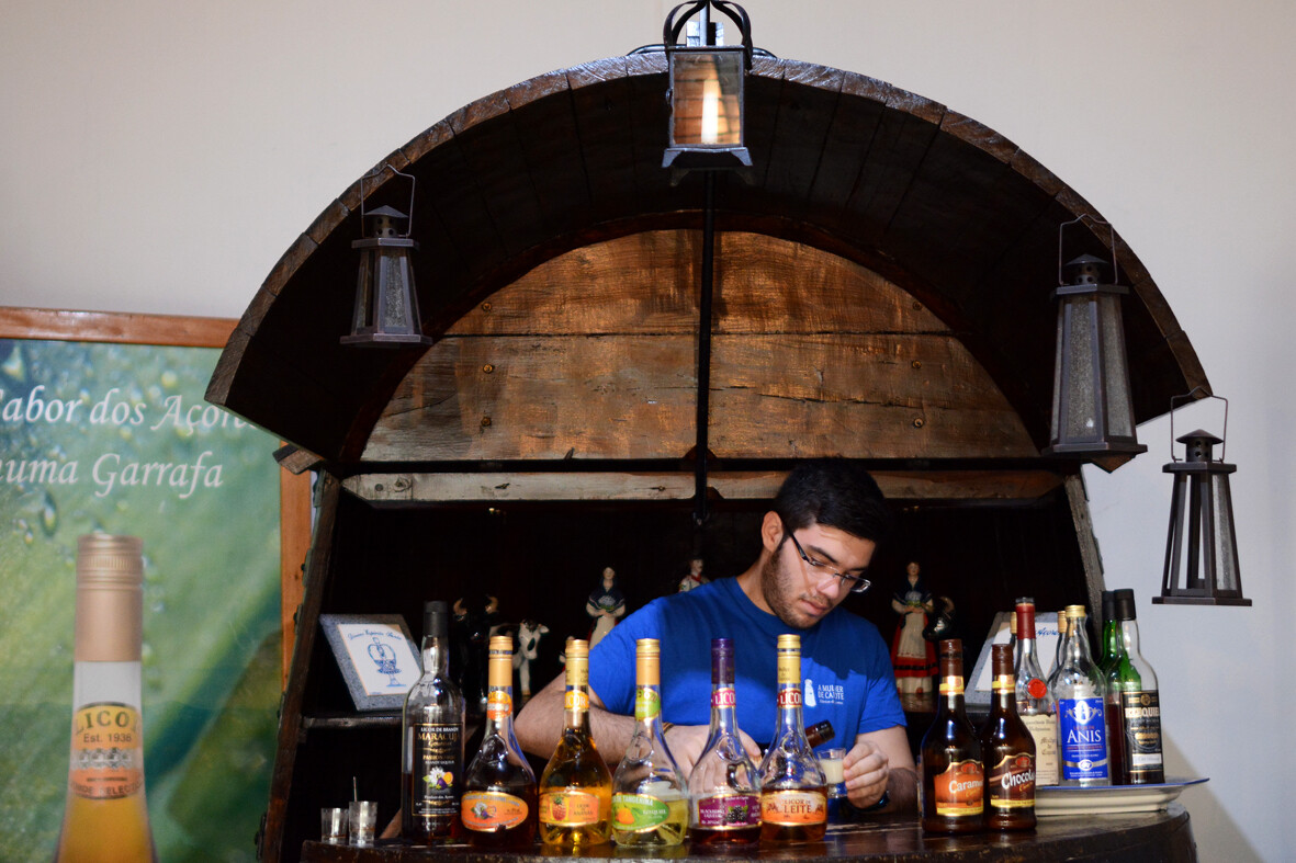 Fábrica-de-Licores-Eduardo-Ferreira-guia-de-viagem-o-que-fazer-com-chuva-nos-açores