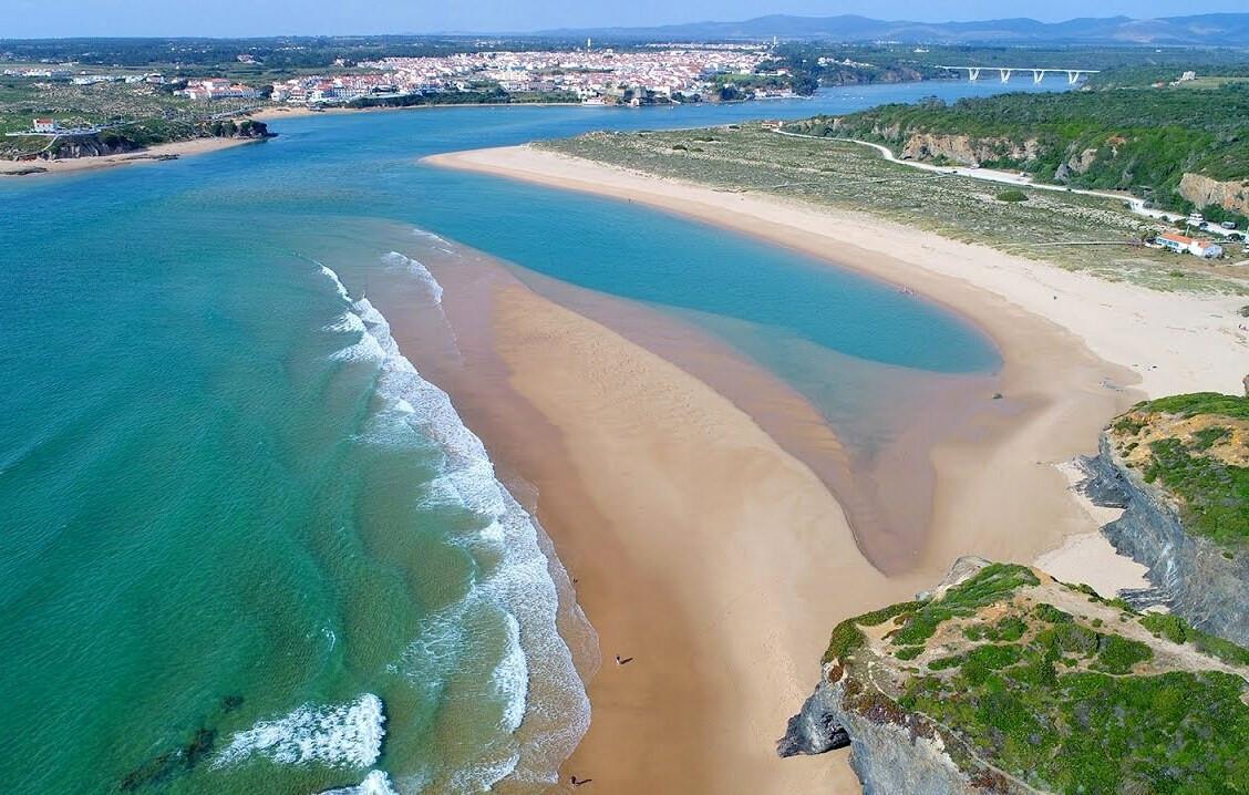 praia-das-furnas-as-melhores-praias-da-costa-vicentina
