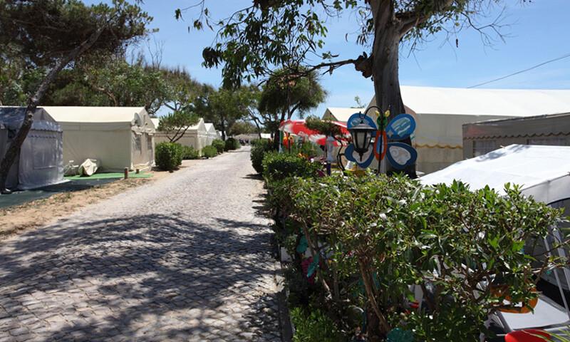 parque-de-campismo-Parque-de-campismo-inatel-costa-da-caparica-Lisboa-melhores-parques-de-campismo-no-centro