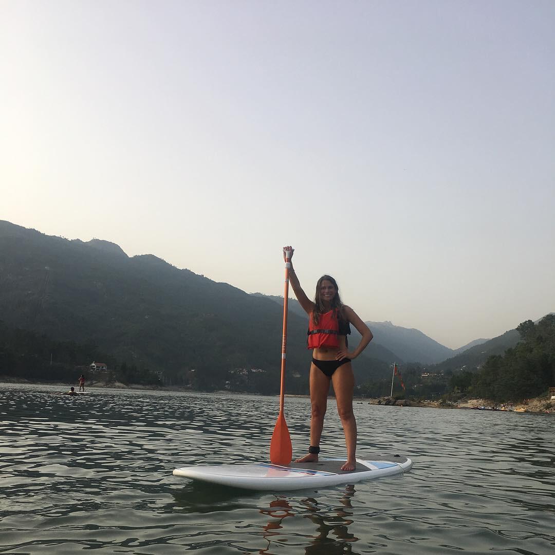 stand-up-paddle-atividades-radicais-para-fazer-no-gerês