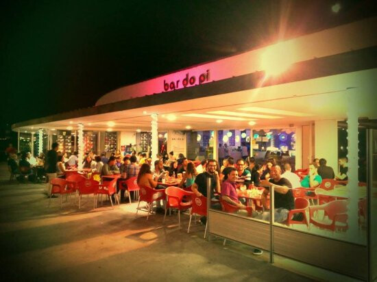 Bar-Do-Pi-guia-de-viagem-o-que-fazer-à-noite-nos-açores