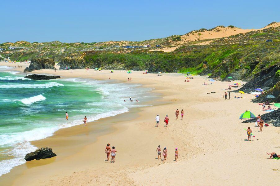 praia-do-almograve-as-melhores-praias-da-costa-vicentina